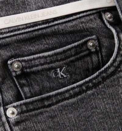 Pantalón Corto Casual_Mujer_CALVIN KLEIN High Rise Short