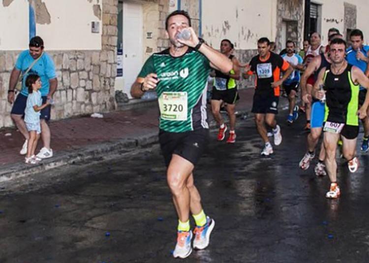 Running e hidratación: Beber para evitar un golpe de calor