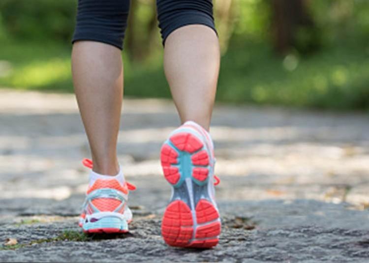 Elige las mejores zapatillas para caminar